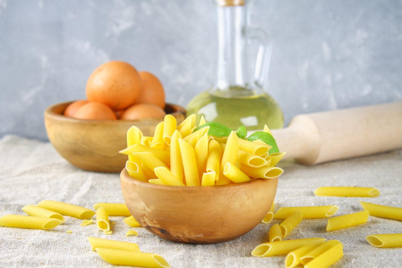 Pastasalat mit Zucchini-Chutney